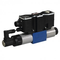 Bosch Rexroth 4/3 Proportional Directional Valves, Direct Operated, with Integrated Electronics (OBE) 4WREEM