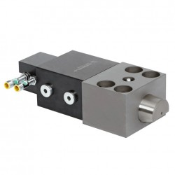 Wedge Clamps for Tapered Clamping Edge with Adjustable Position Monitoring at the back